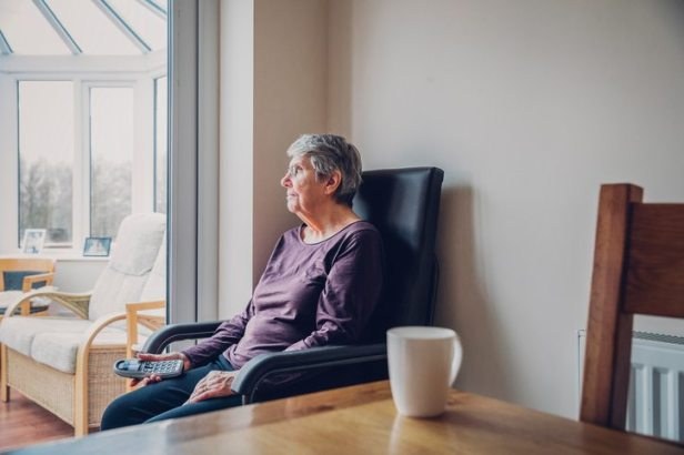 13-myths-about-the-loneliness-epidemic-annie-siddons-by-healthista.com_