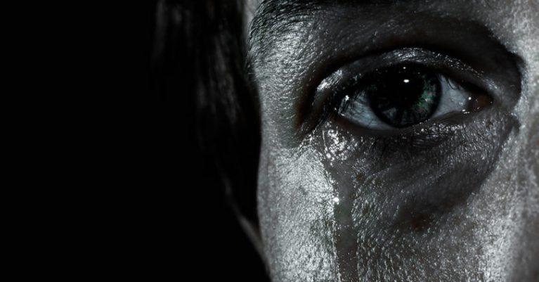 sad-crying-810x424.jpg